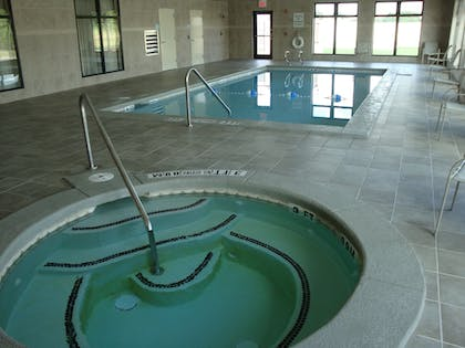 Pool | Holiday Inn Express & Suites Borger