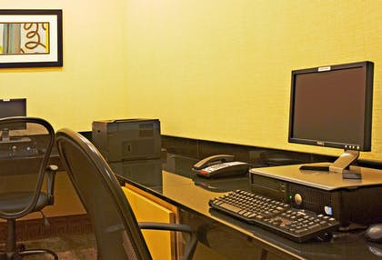 Business Center | Holiday Inn Express & Suites Borger