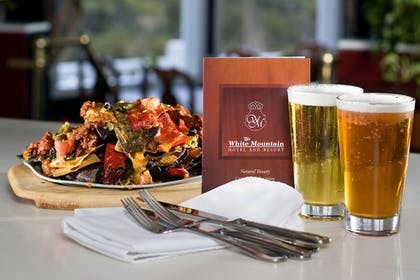 Food and Drink | The White Mountain Hotel & Resort