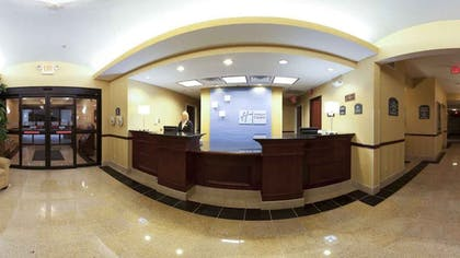 Lobby   Holiday Inn Express Hotel & Suites Cleveland - Richfield