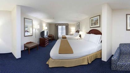 Guestroom   Holiday Inn Express Hotel & Suites Cleveland - Richfield