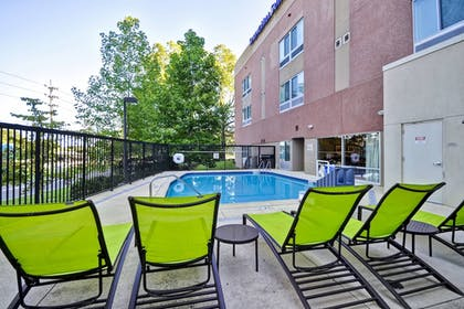 Outdoor Pool | SpringHill Suites Tallahassee Central