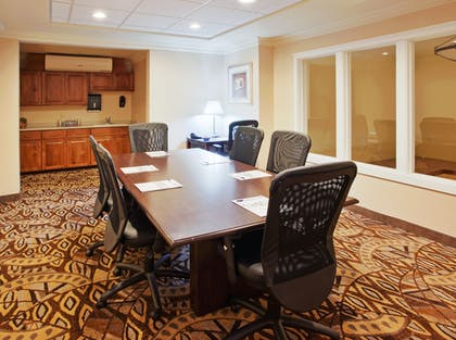Meeting Facility | Holiday Inn Express Hotel & Suites Oroville Lake