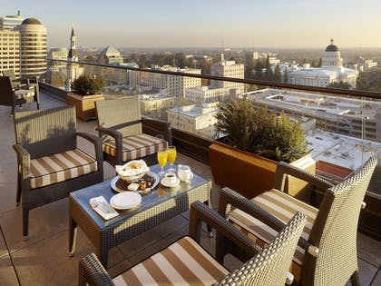 Outdoor Dining   The Citizen Hotel, Autograph Collection