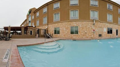 Outdoor Pool | Holiday Inn Express & Suites Glen Rose