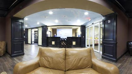 Lobby Sitting Area | Holiday Inn Express & Suites Glen Rose