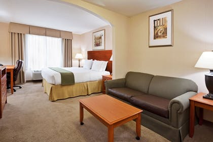 Room | Holiday Inn Express & Suites Howell