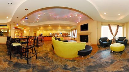 Lobby Lounge | Holiday Inn Express & Suites Laplace