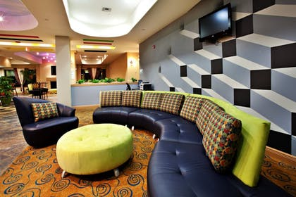 Lobby | Holiday Inn Express & Suites Laplace