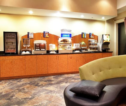 Restaurant | Holiday Inn Express & Suites Laplace