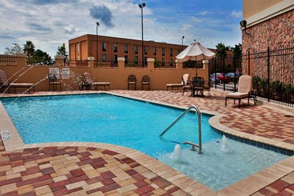 Pool | Holiday Inn Express & Suites Laplace