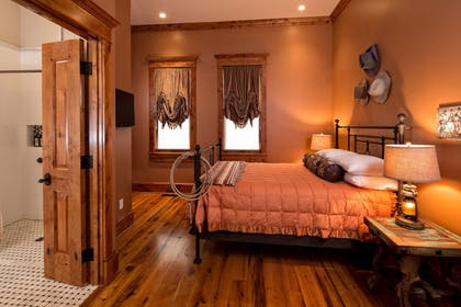 Guestroom | Rock Crest Lodge And Cabins