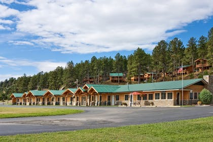 Featured Image | Rock Crest Lodge And Cabins