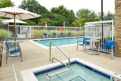 Outdoor Spa Tub | Towneplace Suites by Marriott Arundel Mills