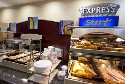Buffet | Holiday Inn Express Hotel & Suites Dayton South Franklin