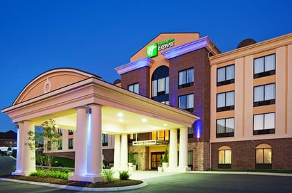 | Holiday Inn Express & Suites Smyrna