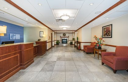 Lobby | Holiday Inn Express Hotel & Suites Tilton - Lakes Region