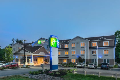 Exterior | Holiday Inn Express Hotel & Suites Tilton - Lakes Region