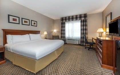 Room | Holiday Inn Express Hotel & Suites Tilton - Lakes Region