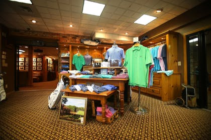Pro Shop | Pine Needles Lodge & Golf Club