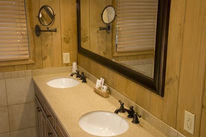 Bathroom Sink | Pine Needles Lodge & Golf Club