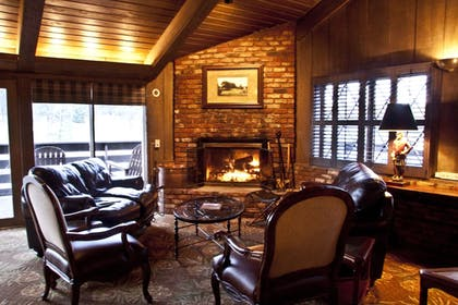 Lobby Lounge | Pine Needles Lodge & Golf Club