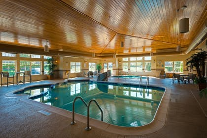 Pool | Holiday Inn Express & Suites Chicago West-Roselle