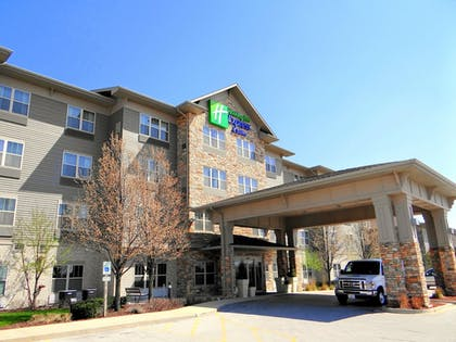 Exterior | Holiday Inn Express & Suites Chicago West-Roselle