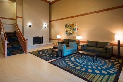 Lobby | Holiday Inn Express & Suites Chicago West-Roselle