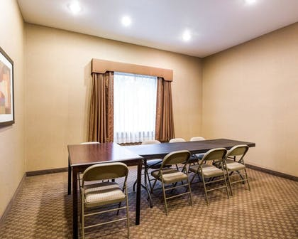 Meeting Facility | Comfort Inn And Suites Winnie