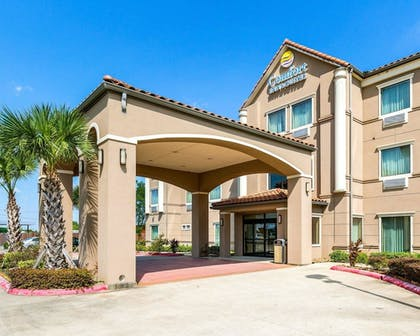 Featured Image | Comfort Inn And Suites Winnie