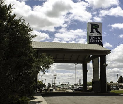 Hotel Front | Richland Inn & Suites