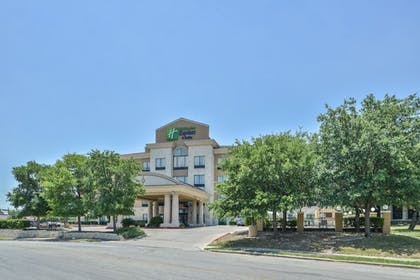 Hotel Entrance | Holiday Inn Express & Suites San Antonio NW - Medical Area