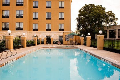 | Holiday Inn Express & Suites San Antonio NW - Medical Area