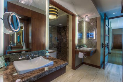 Bathroom | Aliante Casino & Hotel