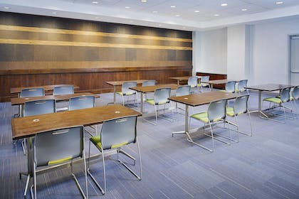 Meeting Facility | Aloft Charlotte Uptown at the EpiCentre