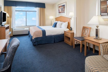 Room | Wingate By Wyndham Spokane