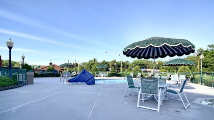 Indoor/Outdoor Pool | Roosevelt Inn and Suites Saratoga Springs