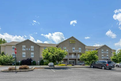 Exterior | MainStay Suites Grantville - Hershey North
