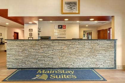 Lobby | MainStay Suites Grantville - Hershey North