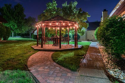 Gazebo | Inn of the Dove Romantic Luxury & Business Suites