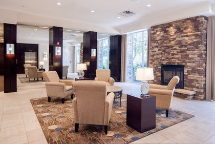 Lobby Sitting Area | Holiday Inn Baton Rouge College Drive I-10