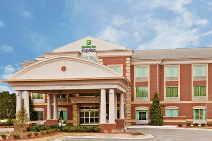 Exterior | Holiday Inn Express Hotel & Suites Memphis/Germantown
