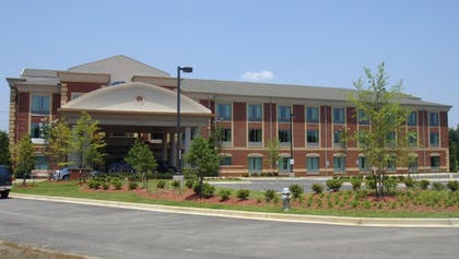 Hotel Front | Holiday Inn Express Hotel & Suites Memphis/Germantown