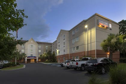 Hotel Front - Evening/Night   Candlewood Suites Bluffton-Hilton Head