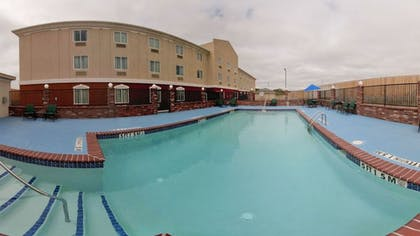 Outdoor Pool | Holiday Inn Express &Suites Snyder