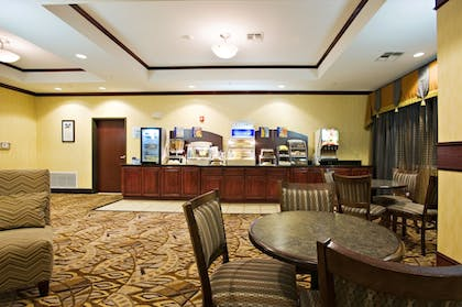 Restaurant | Holiday Inn Express &Suites Snyder