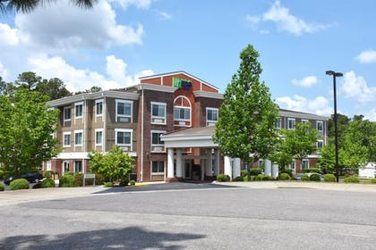 Featured Image | Holiday Inn Express Hotel & Suites Southern Pines