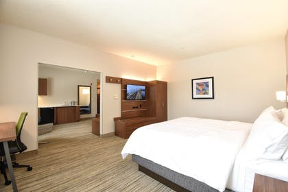 Guestroom | Holiday Inn Express Hotel & Suites Southern Pines
