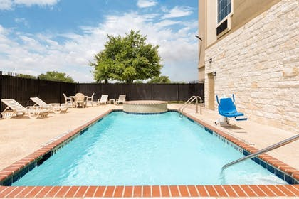 Outdoor Pool | Days Inn & Suites by Wyndham San Antonio near AT&T Center